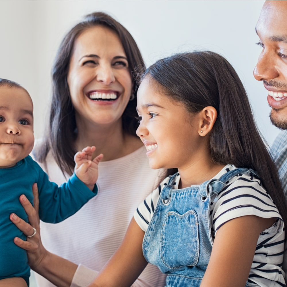 Padres, sonriente, con, familia